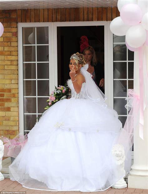 real gypsy wedding dresses sixteen year old bride s real big fat gypsy wedding