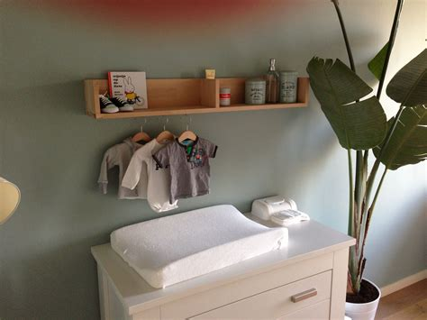 Plank Boven Commode by En Een Plank Boven De Commode Thuis