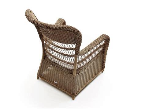 poltrona vimini poltrona intrecciata con cuscini per il terrazzo idfdesign