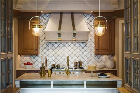 kitchen island chandeliers 2018 choosing the right kitchen island lighting for your home hgtv