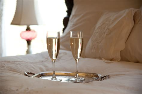 romantic weekend getaway packages at the governor s house
