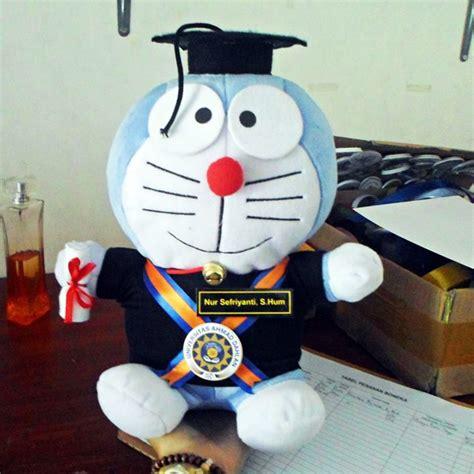 Boneka Doraemon Wisuda boneka wisuda doraemon s uad kado wisudaku
