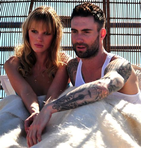 never gonna leave this bed chords adam levine photos photos adam levine and anne
