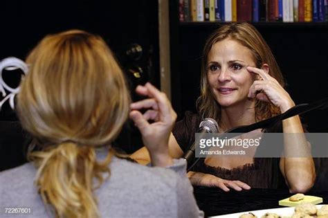 amy sedaris podcast ruth bernstein photos et images de collection getty images
