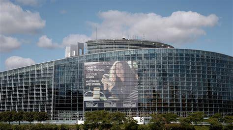 siege du parlement le si 232 ge du parlement europ 233 en doit il quitter