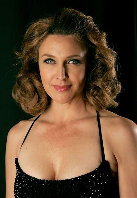 photos and pictures brenda strong 9th annual costume brenda strong photos photos 9th annual costume designers guild awards portraits zimbio