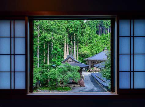 sleep   monk temple stays  japan