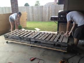 pallet sectional sofa pallet sectional sofa tutorial 101 pallets