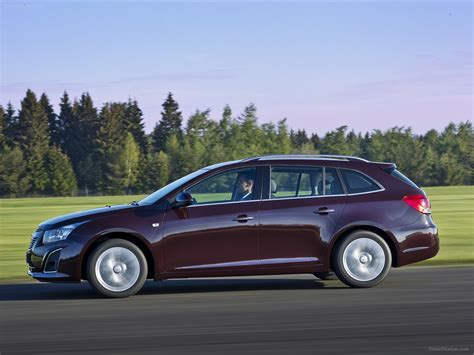 chevrolet cruze station wagon  exotic car picture