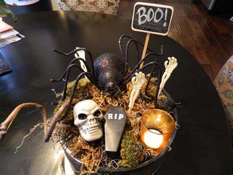 diy creepy decorations 29 spooktacular centerpieces