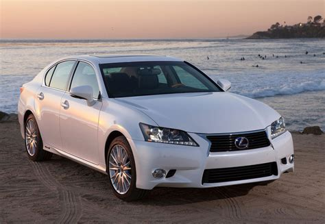 lexus hybrid 2013 even the mightiest of cars should bear good tires here s why