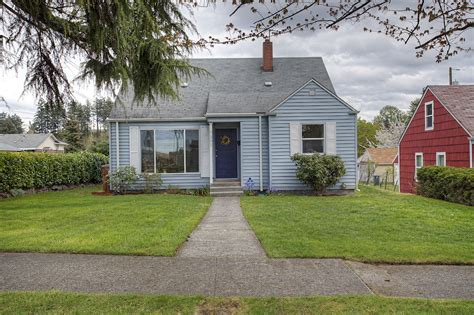 remodeled south tacoma home for sale