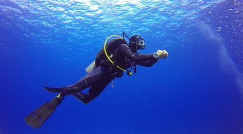 dive definition what is the maximum safe ascent rate for scuba diving