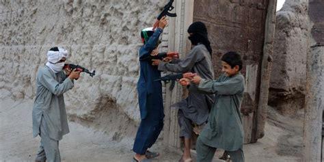 Mainan Senjata Ak 47 tekan budaya kekerasan afganistan larang penjualan