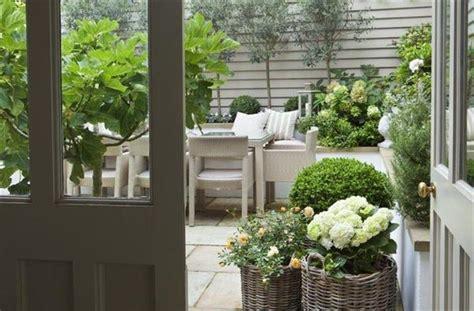 garten mit terrasse 4327 uredite vrt in teraso za pomladne dni