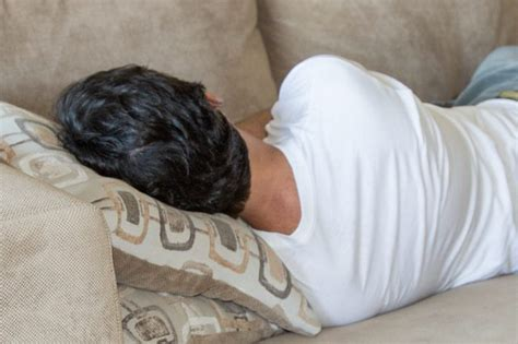 How To Treat A Couch For Head Lice With Pictures Ehow