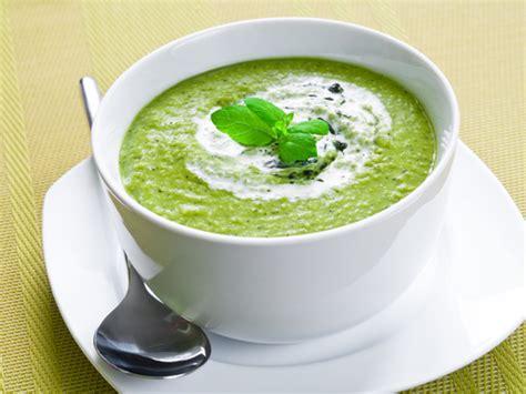 soupe de courgettes au boursin recette de soupe de
