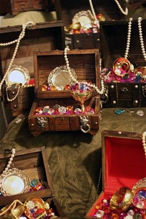 how to diy your own treasure chest centerpieces wedding