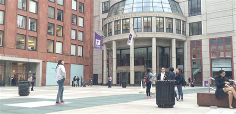 Mba New York Usa by Enrollment For Us Mbas Is Rising World