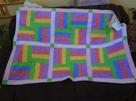 Easy Quilt Projects For by You To See Easy Quilt With Flowers And Bee On