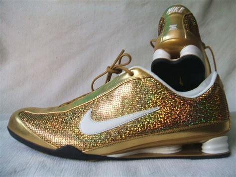 Nike Shox Schwarz Gold 1976 by Nike Shox Rivalry Schwarz Gold