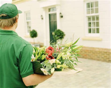 come spedire dei fiori spedire fiori come regalare un emozione puntoflora