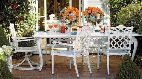 Outdoor Living Furniture by Outdoor Living Spaces That Inspire Summer Entertaining