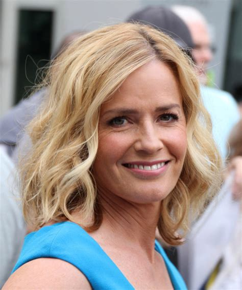 elisabeth shue medium wavy casual hairstyle medium
