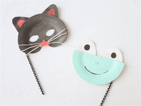 Animal Masks To Make With Paper Plates - diy paper plate animal masks for momtastic
