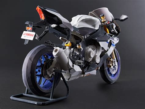 Yamaha Papercraft Motorcycle - ultra realistic paper crafts yzf r1m paper crafts