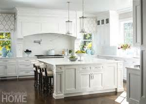 Large Square Kitchen Island 17 Best Ideas About Traditional White Kitchens On Kitchen Ideas Kitchen Cabinets