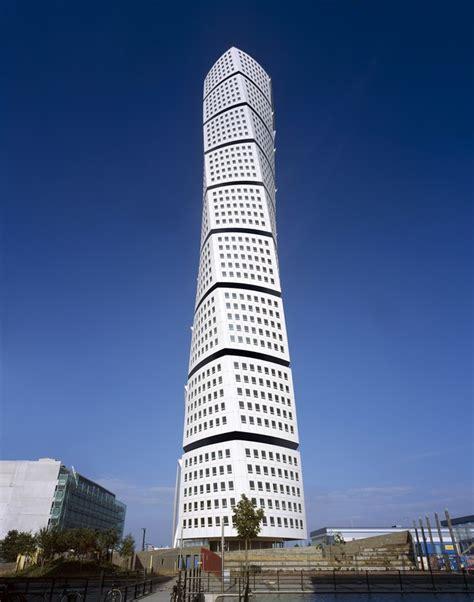 santiago calatrava turning torso tower malmo sweden the stunning turning torso in malmo sweden