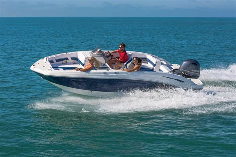 deck boat reviews the perfect deck boat chaparral 191 suncoast at yachts