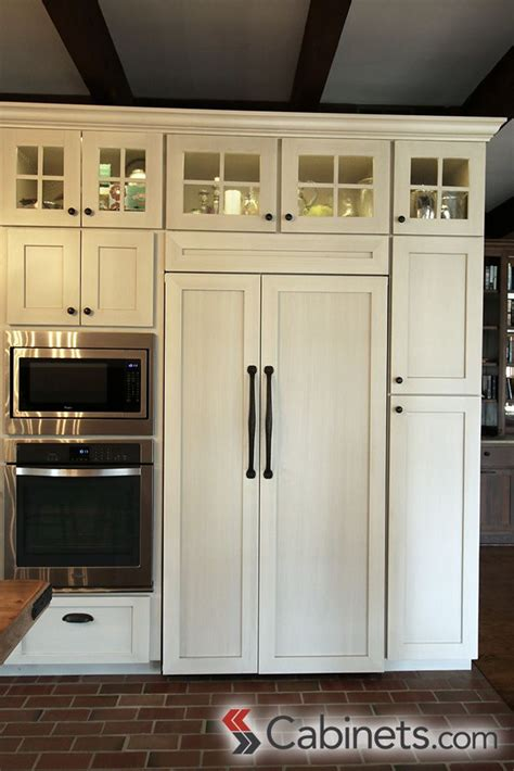 25 best ideas about shaker style cabinets on white shaker kitchen cabinets shaker