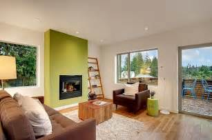 Green Accent Wall by Stylish Living Room With A Green Accent Wall Decoist
