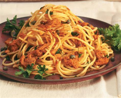 cucinare ricci di mare spaghetti ai ricci di mare ricetta e cucina