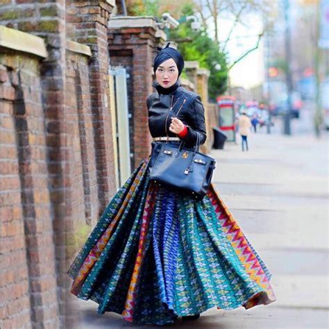 Kain Tenun Etnik Lombok Blanket Etnik Lombok Blo deretan seleb bergaya batik yang bisa kamu tiru