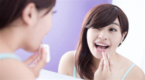 Pembersih Wajah Clean And Clear cleansing wipes efektif untuk membersihkan wajah
