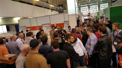 toronto woodworking show toronto wood machinery show busy to the closing bell