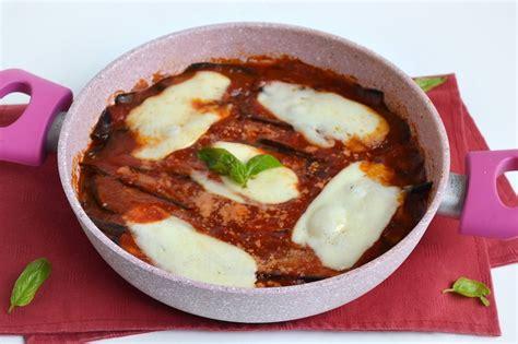 cucinare melanzane padella 187 parmigiana di melanzane in padella ricetta parmigiana