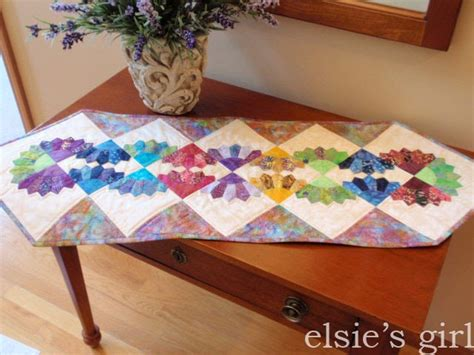 free pattern table runner elsie s girl batik dresden table runner free pattern review