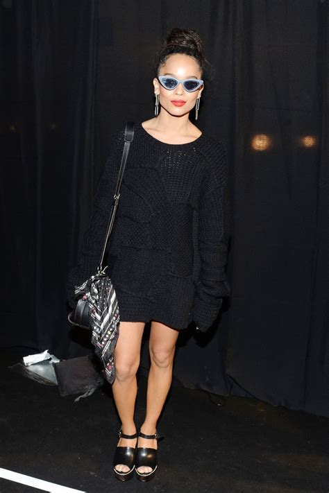 New York Fashion Week Front Row Zoe Hathaway Gisele And Co by Zoe Kravit New York Fashion Week Front Row