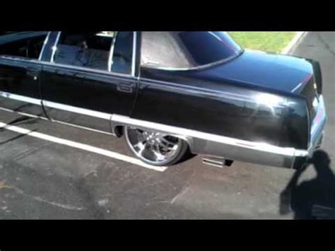 cadillac on 22s 1994 cadillac fleetwood on 22s walk threw