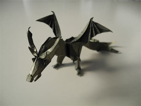 Fiery Origami - 16 origami dragons