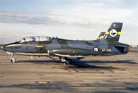 australian airforce file aermacchi mb 326h australia royal australian air