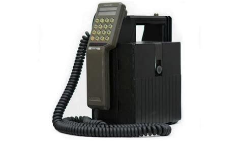 1st mobile phone this is the mobile phone 30 years on sick