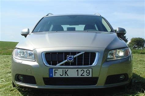 auto body repair training 2007 volvo v70 head up display volvo v70 and xc70 2007 road test road tests honest john