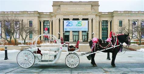 christmas light carriage rides st louis event holiday photos saint louis carriage company