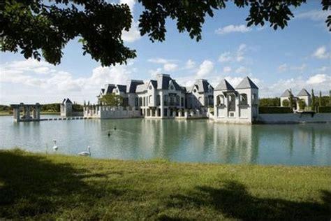 Dwayne Wade and Gabrielle Union's Wedding Castle!   Trulia