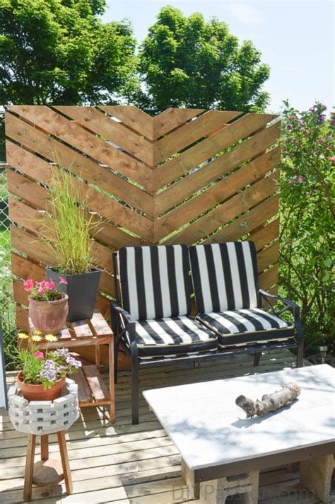simple and easy backyard privacy ideas midcityeast how to build a simple chevron outdoor privacy wall